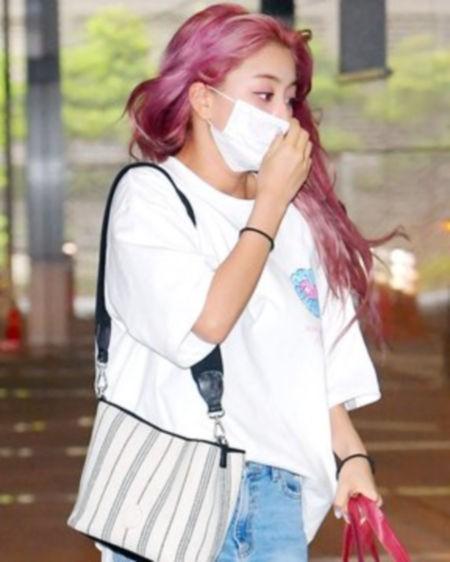 0610jihyo1 【特集】今期流行りの韓国ファッションは何?韓国アイドル私服特定まとめ(1)